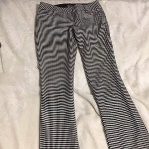 Express Stretch pants black and white